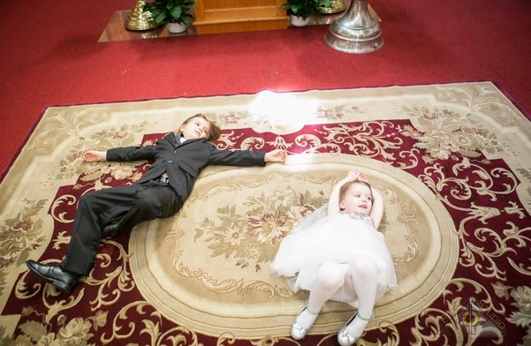 Tips to Take Better Candid Photos – Christening Photography